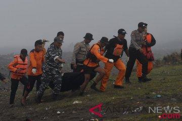 Pencarian korban perahu tenggelam Jember