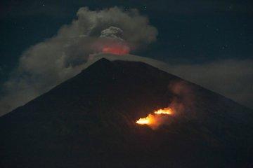 Aktivitas Gunung Agung masih tinggi