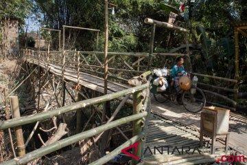 Jembatan Darurat Dari Bambu