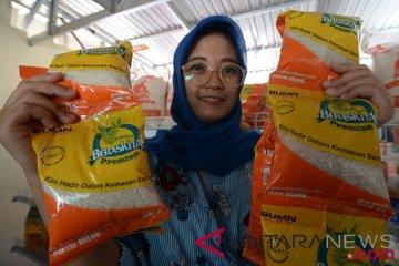 Penjualan beras sachet