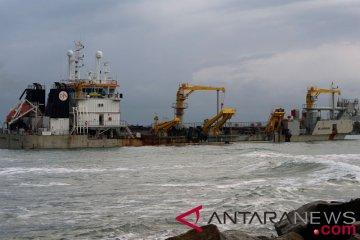 Pengerukan Alur Masuk Pelabuhan Baai Bengkulu