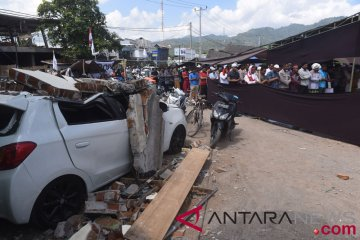 Salat Jumat Pengungsi Gempa Lombok