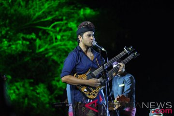 Aksi Gitaris Balawan