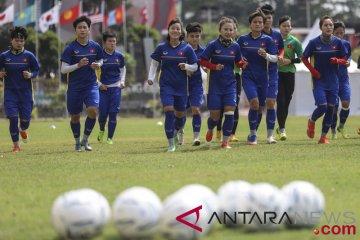 Latihan Sepak Bola Timnas Putri Vietnam
