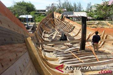 Pembuatan Kapal Nelayan