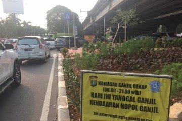 Ganjil genap hari pertama, ratusan pengendara ditindak di Jalan Kartini
