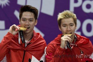 Bulu tangkis medali emas ganda putra Indonesia