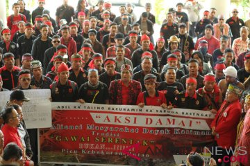 Dayak Tuntut Sutopo BNPB