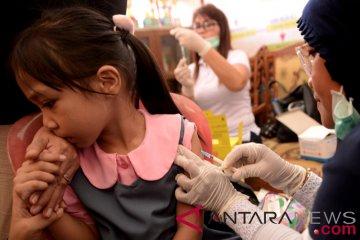 Imunisasi MR di Manado