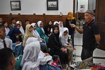 BUMN Hadir - Antara Latihan Jurnalistik Siswa SMN