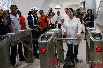 Menteri PMK Tinjau LRT Palembang