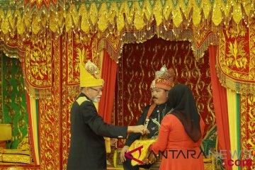Panglima TNI Terima Gelar Kehormatan Adat Aceh