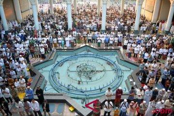 Salat Idul Adha Di Masjid Al Akbar Surabaya