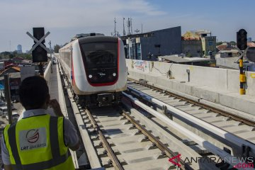 Uji Operasi Terbatas LRT Jakarta