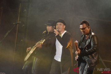 Aksi Musisi di Panggung Soundrenaline
