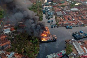 Kebakaran Kapal di Pekalongan