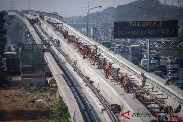Pemasangan Rel LRT Jabodebek