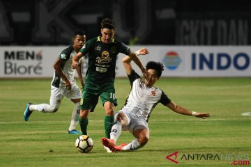 Persebaya vs PS Tira