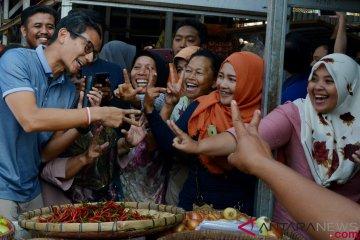 Sandiaga Uno Berkunjung Ke Pasar Wonodri Semarang