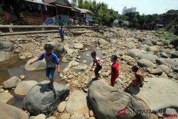 Sungai Ciliwung Mengering