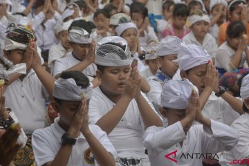 Perayaan Hari Saraswati di Bali