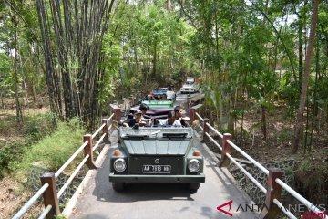 Wisata Kawasan Borobudur Mengendarai VW Safari