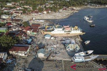 Kapal Terdampar Akibat Gempa