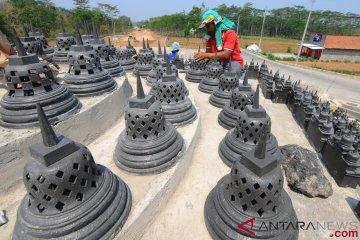 Pembangunan Miniatur Candi Borobudur