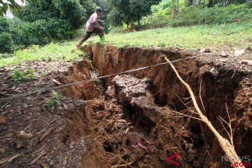 Tanah Terbelah di Bogor
