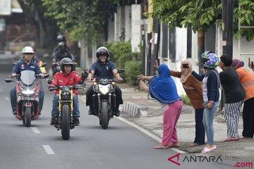 Jokowi tunggangi tracker Kawasaki W175 ke Jalan Braga Bandung