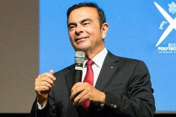 Ghosn diduga limpahkan kerugian investasi pribadi ke Nissan
