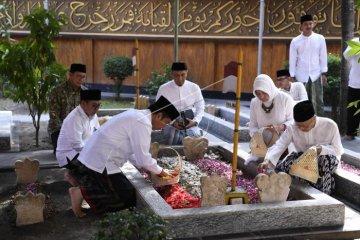 Presiden ziarah makam keluarga Gus Dur