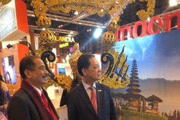 Target Indonesia, pameran wisata Fitur dan demo taksi