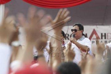 Prabowo Jalan Sehat Bersama Relawan