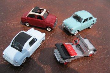 Deretan mobil-mobil klasik mungil bersejarah
