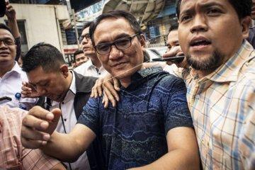 Andi Arief Jalani Rehabilitasi di BNN