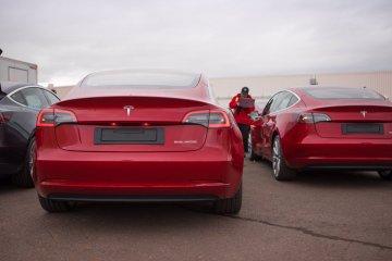 Tesla Model 3 buatan China akan dijual mulai Rp626 juta