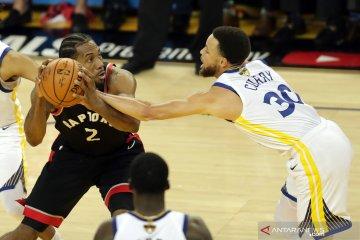 Televisi China tangguhkan siaran pertandingan ekshibisi NBA