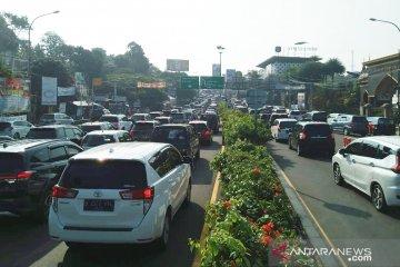 Hari Lebaran 31.220 kendaraan masuk jalur Puncak