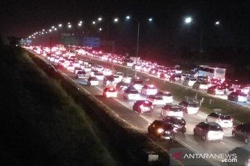 Tol Cipali hingga tol Jakarta-Cikampek padat merayap