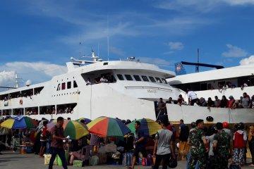 Jumlah penumpang arus balik melebihi kapasitas diawasi KSOP Ternate
