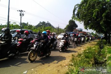 Arus balik Lebaran di jalur Pantura Karawang masih terasa