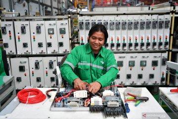 Peresmian operasional pabrik pintar Schneider Electric Indonesia di Cikarang