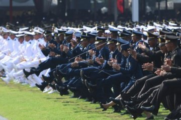 Presiden Jokowi lantik perwira TNI-Polri