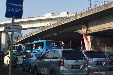 Sosialisasi ganjil-genap tidak terlihat di Jalan Tomang Raya