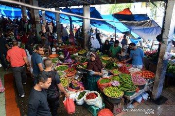 Meugang terakhir warga serbu pasar tradisional