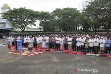 Shalat Idul Adha Pertama Bandara Aceh