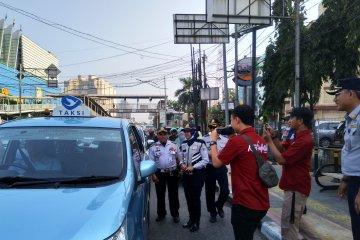 Pengemudi taksi daring minta polisi gunakan diskresi ganjil genap