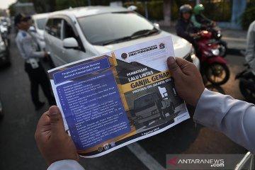 Polisi pastikan taksi daring tidak dibebaskan dari ganjil genap