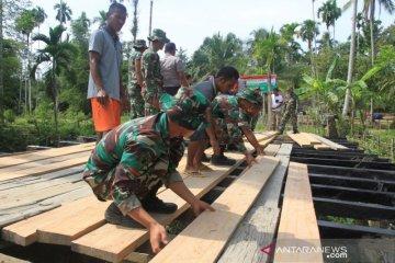 Karya bakti TNI Aceh Barat